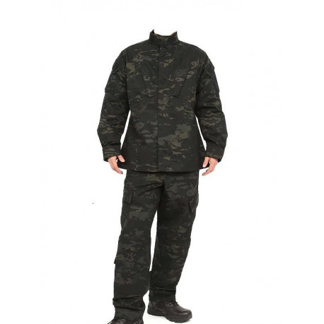 UNIFORME ESTILO MULTICAM BLACK
